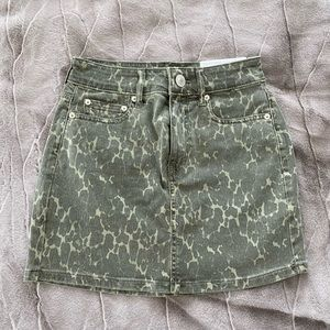 BRAND NEW American Eagle mini skirt